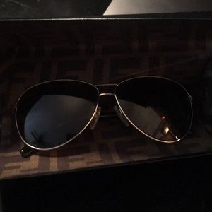 Fendi Very Fashionable Aviator Sunglasses